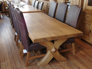 chateaux oak dining table - Contemporary Oak Dining Table